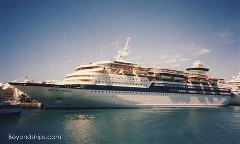Small Boat Song by Sunbird Cruise Ship Fitbudha