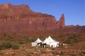 choose moab utah for your wedding destination moab in