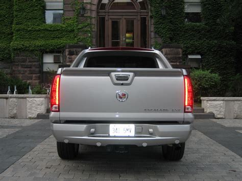 the cadillac escalade ext might come back for 2017 model year cadillac ext 2017 2018 best cars reviews