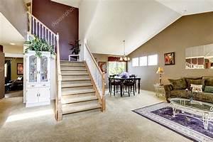 Escalier De Maison Interieur : int rieur de maison avec plan d 39 tage ouvert salle de ~ Zukunftsfamilie.com Idées de Décoration
