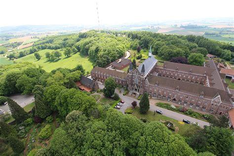abbaye du mont des cats abbaye du mont des cats la et drone observation et prises de vues a 233 riennes