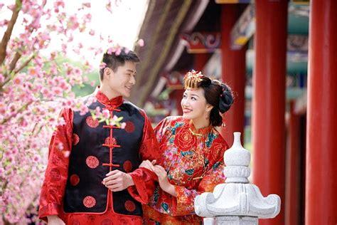 Ķīnietis paņēma par sievu ukrainieti. Līgavaiņa vecāki nespēja noturēties, jo ieraudzīja līgavas ...