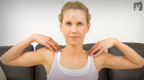 Yoga Gegen Verspannungen Im Bereich Schulter Und Nacken