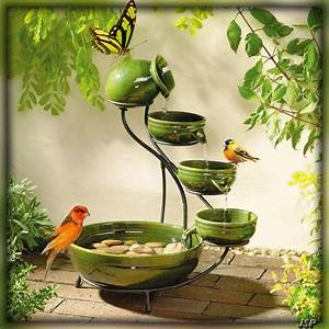 Abreuvoir A Oiseaux Pour Jardin : fontaine pour oiseaux ~ Melissatoandfro.com Idées de Décoration