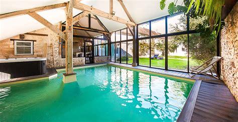 chambre piscine le clos des vignes suite avec restaurant