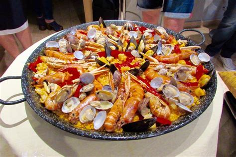 cuisine paella eat paella and tapas at chef teresa 39 s home in