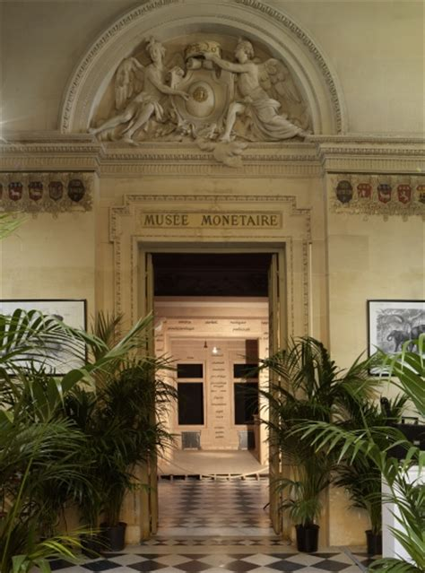 exposition musee moderne musee d moderne departement des aigles marcel broodthaers monnaie de