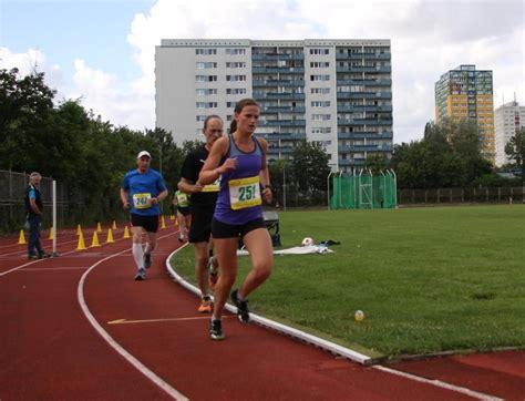 Moderne Fünfkämpferin Gewinnt Die 5000 M