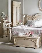 French Bedroom Sets by French Style Bedroom Furniture