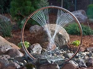 Wasserspiel Garten Selber Bauen : die besten 25 wasserspiel garten ideen auf pinterest ~ Frokenaadalensverden.com Haus und Dekorationen
