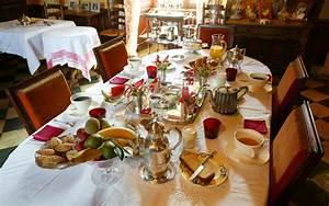 Table Petit Dejeuner Lit : chambres d 39 h tes g tes et salles de r ception en anjou val de loire ~ Melissatoandfro.com Idées de Décoration