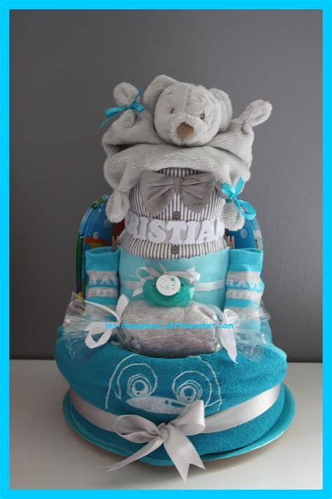 chambre bebe turquoise cadeau original naissance baptême gâteau de couches garçon