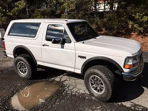 Check Out This  U201994 Ford Bronco W   Full Svt Raptor