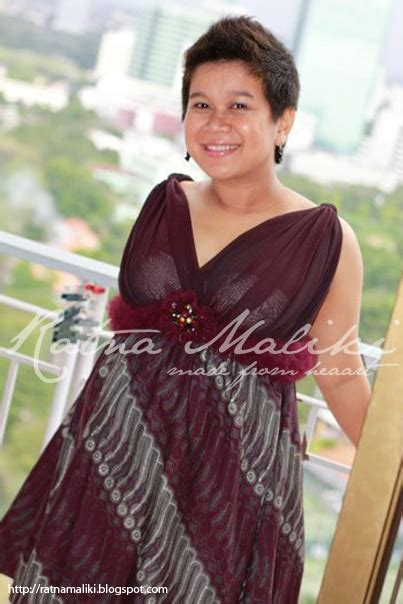 foto model gaun batik  ibu hamil
