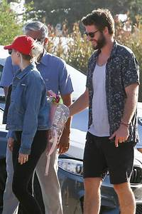 Miley Cyrus And Liam Hemsworth On A Road Trip As She Is