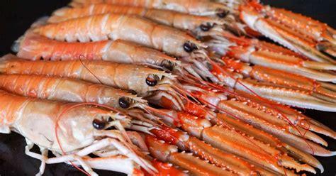 cuisiner des langoustines chatrer une écrevisse ou une langoustine retirer le boyau