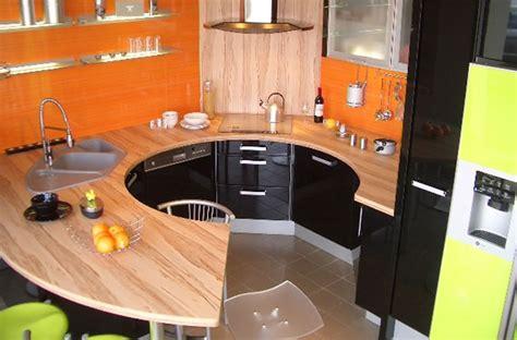 cuisine jaune et noir cuisine noir et jaune with cuisine noir et jaune plan de travail cuisine de couleur et une dco