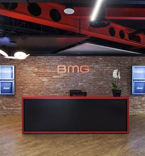 Bmg Interactive by A Look Inside Autotrader S Cool Office Officelovin