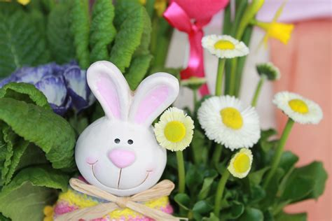 Easter Planters For Spring Porch Decorating Flowerups