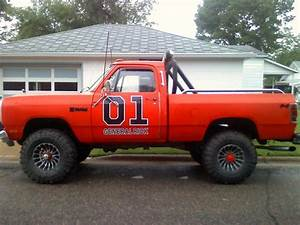 Image Gallery old dodge trucks lifted