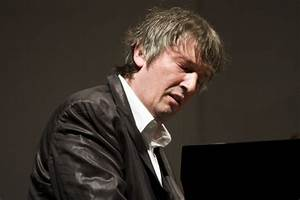 Putin honours pianist – Slipped Disc