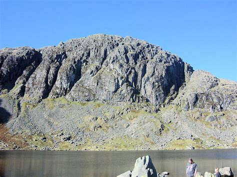 Walks in the Lake District - Langdale, Jack's Rake, Pavey ...
