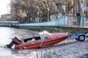 Boat Crash River Thames by Investigate Of A In