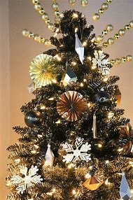 black and gold christmas tree