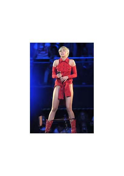Miley Cyrus Bangerz Tour Amsterdam Holland Performing