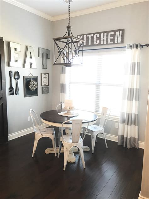 Decorating Ideas Kitchen Dining Room by Dining Room Gallery Wall In A Farmhouse Decor Dining Room