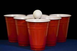 Beer Pong | Beer Pong party cups aligned in formation for ...