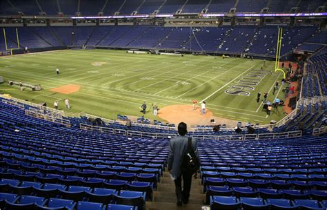 metrodome   baseball  football  baseball