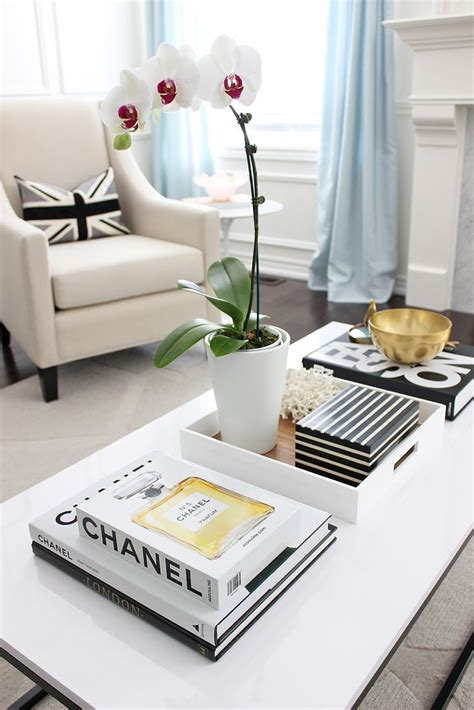 White Living Room Table Ls by 25 Best Ideas About Coffee Table Books On