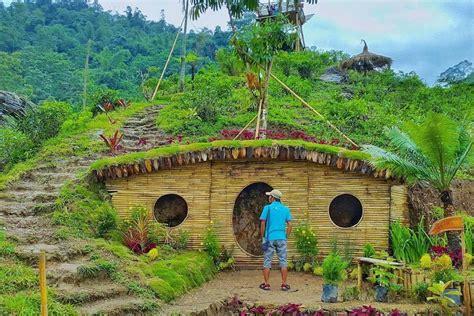 destinasi wisata rumah hobbit  indonesia imut banget nih