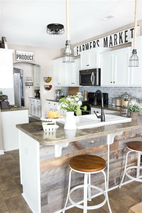 dessus de cuisine décorer le dessus des meubles de cuisine voici 20 idées