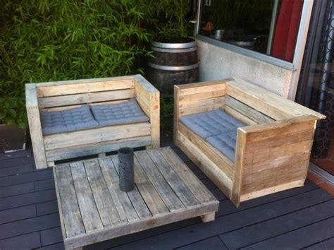 canap 233 et table bois de palette pour jardin ou interieur