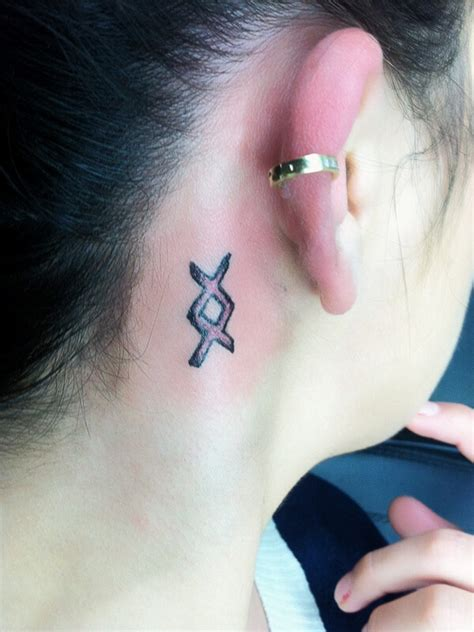 chic small tattoo  big meanings easyday