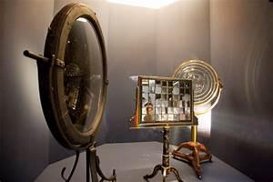 Lentille De Fresnel : miroir de buffon et lentille de fresnel les phares s 39 invitent au mus e de la marine linternaute ~ Medecine-chirurgie-esthetiques.com Avis de Voitures