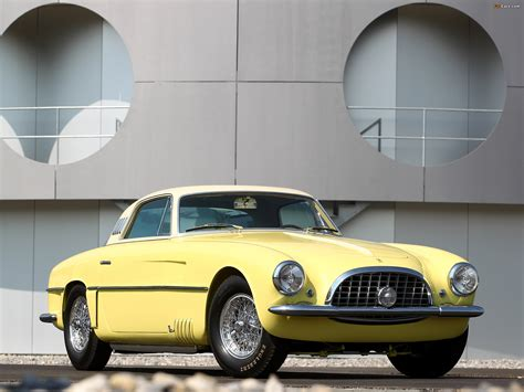 Ferrari only ever built 11 coupes and 1 cabriolet, and of these, just three were sent to carrozzeria vignale to be outfitted with the bespoke as outlined by rm sotheby's, vignale worked its magic on the 375 america, making it look quite different than the standard models designed by pininfarina. Images of Ferrari 375 America Vignale Coupe (0337 AL) 1954 (2048x1536)
