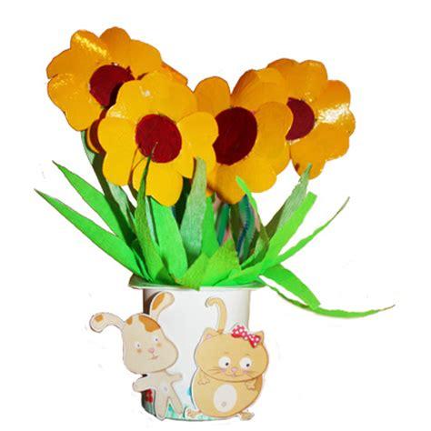 fleur en pot de yaourt fleurs r 233 cup en pots de yaourt