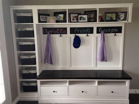 Une Entrée Avec Du Style Et Hemnes D'ikea White Kitchen Cabinets Backsplash Ideas Designing Small Pinterest Rolling Island Fridge For Warm With Countertop
