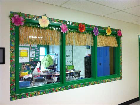 decorated hallway window    classroom