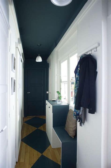plafond  porte du fond peints en noir pour raccourcir