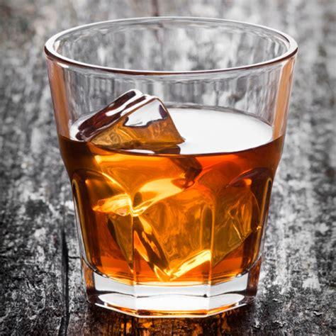 whiskey on the rocks bourbon 101 how to bourbon bourbon cocktails bourbon brands