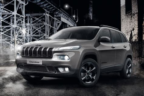 jeep cherokee night eagle edition swoops  auto express