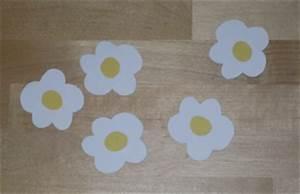 Blumen Basteln Fensterdeko : ostern fensterbild blumen ei basteln ~ Markanthonyermac.com Haus und Dekorationen