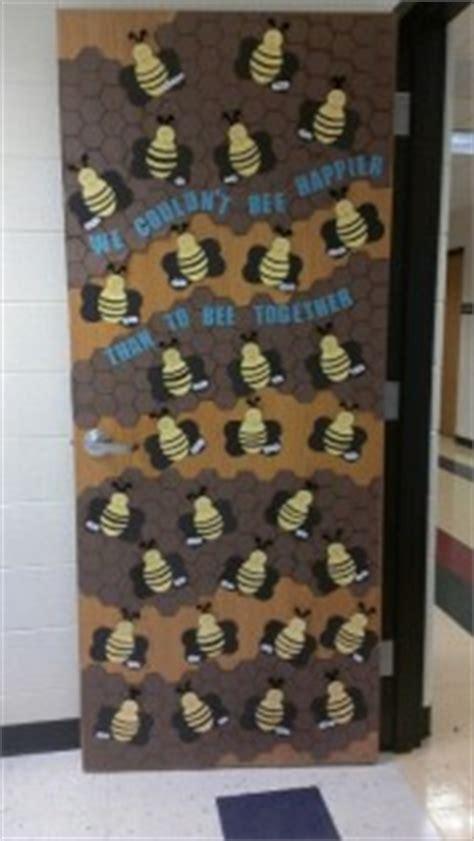 bee bulletin board idea  kids crafts  worksheets