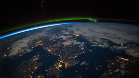 international space station iss aurora borealis