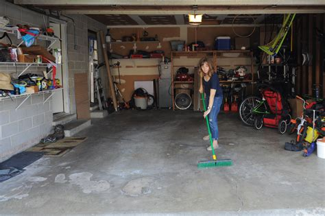 Frau In Garage by How To Set Up A Garage Photo Studio In 7 Easy Steps