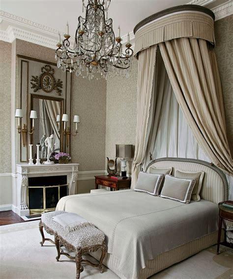 chambre a coucher baroque comment adopter le lustre baroque dans l 39 intérieur de